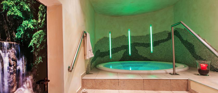 austria_zell-am-see_hotel-feinschmeck_wellness-area.jpg